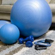 Как да останем във форма по време на карантина? Да тренираме ли, докато сме болни?