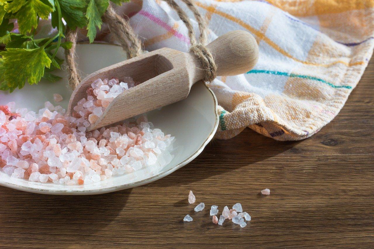 Ползите и вредите от трапезната сол